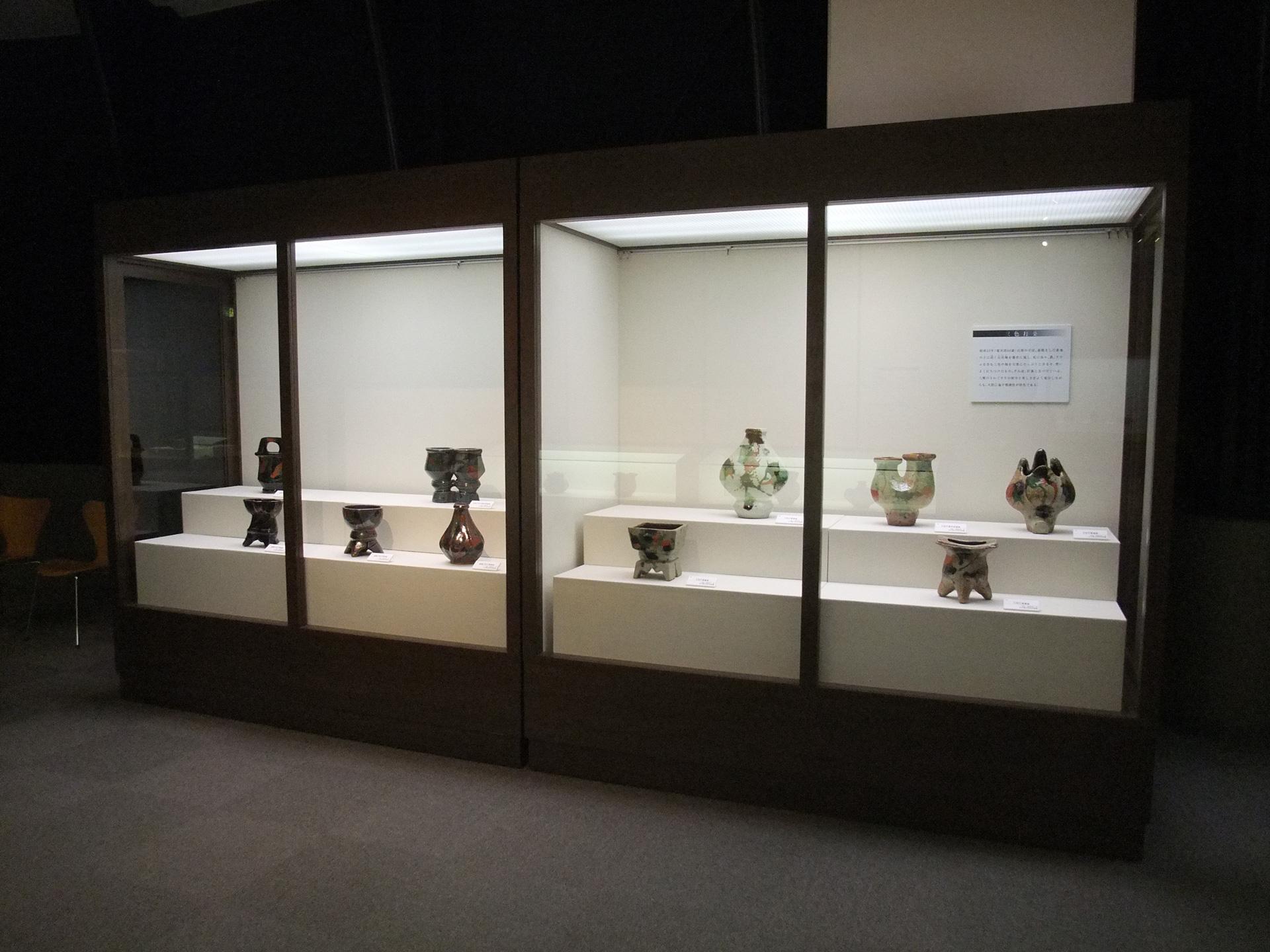 第2展示室の会場の風景と主な展示品の紹介